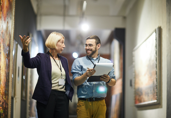 Art Market Trends: Collection Management as Additional Income for Art Professionals
