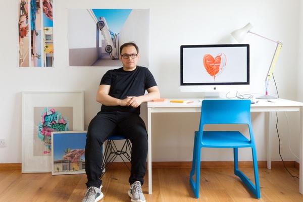 A Deep Look at Digital Art and Social Media