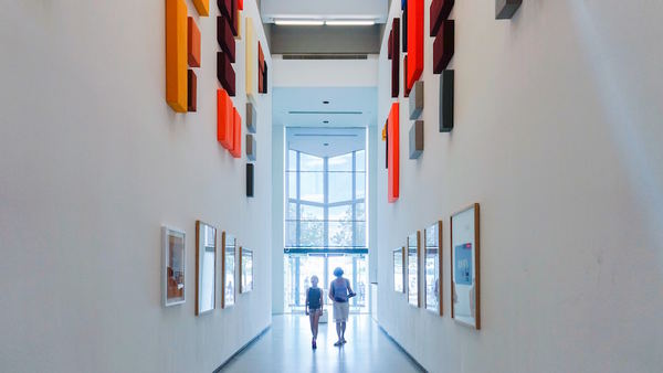 15 Reasons Why Hospital Art Collections Use Artwork Archive