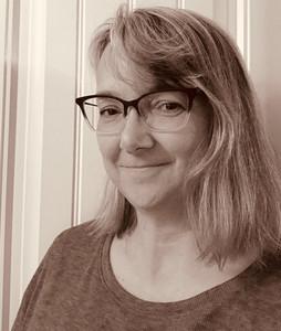 Sally Moluf Hoss