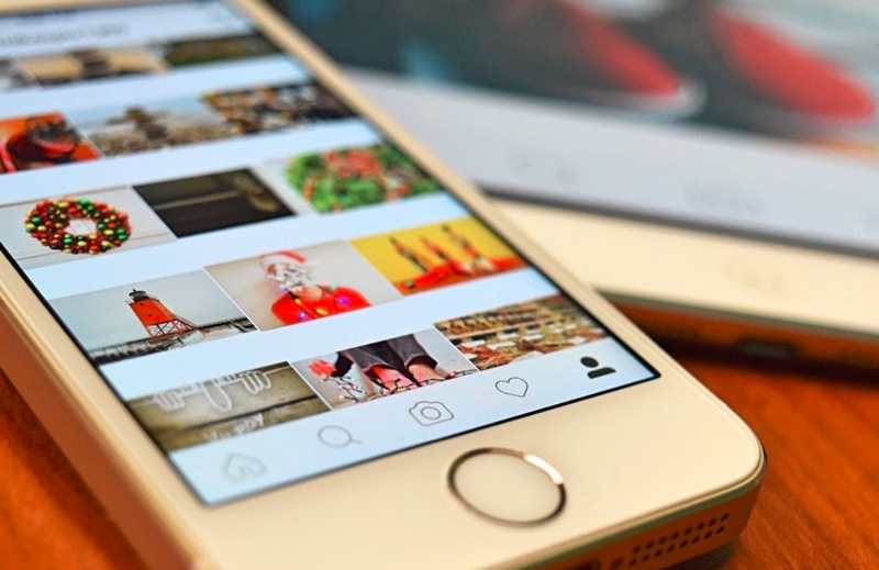How to Make Money as an Artist on Instagram   Artwork Archive